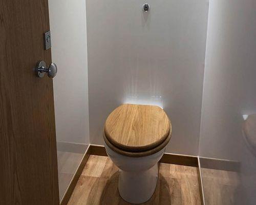 Luxury hire toilet